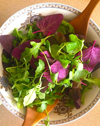 Purple Spinach and Arugula Salad with Cilantro