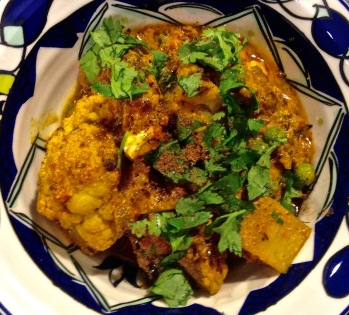 Classic Curry with Potato and Cauliflower